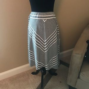 Super cute skirt!